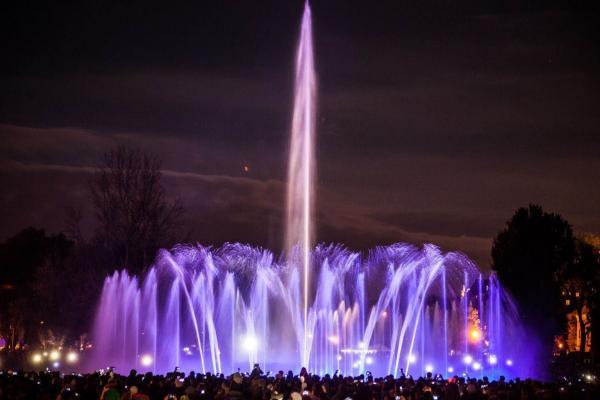 Бесплатное водное представление в Парке Фонтанов со 02.05.2015 по 30.09.2015