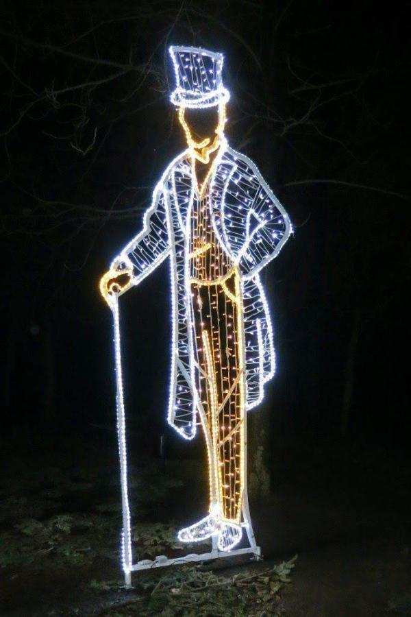 Королевские Лазенки (Łazienki Królewskie) очаруют рождественскими огнями (05.12.2015 до конца февраля 2016)