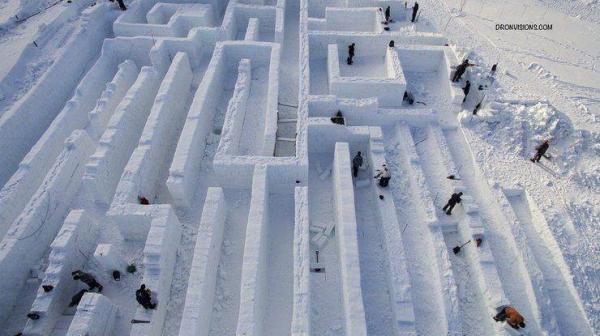 В Закопане строят снежный лабиринт, который может побить рекорд Гиннеса.