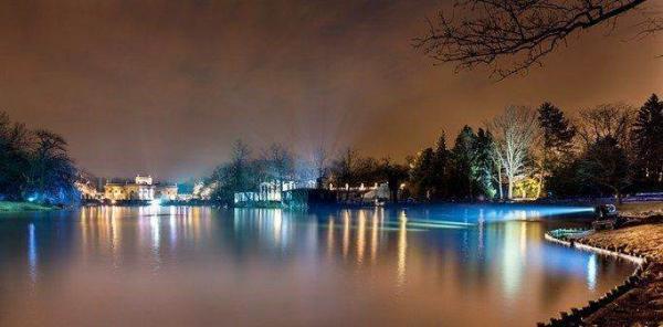 """""""Зимний вечер света"""" в парке Королевские Лазенки в Варшаве"""