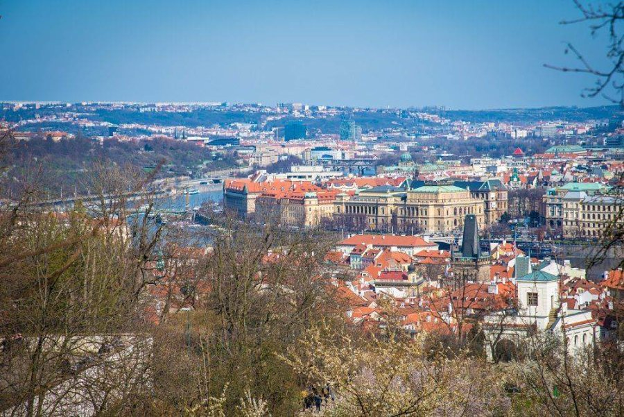 Петршинская башня в Праге