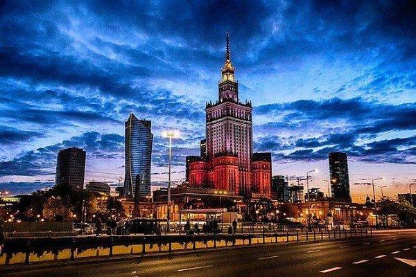 """Варшава с высоты """"сталинской высотки"""""""